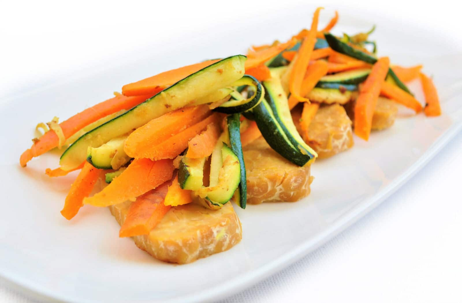 Read more about the article Tempeh con Verdure Croccanti
