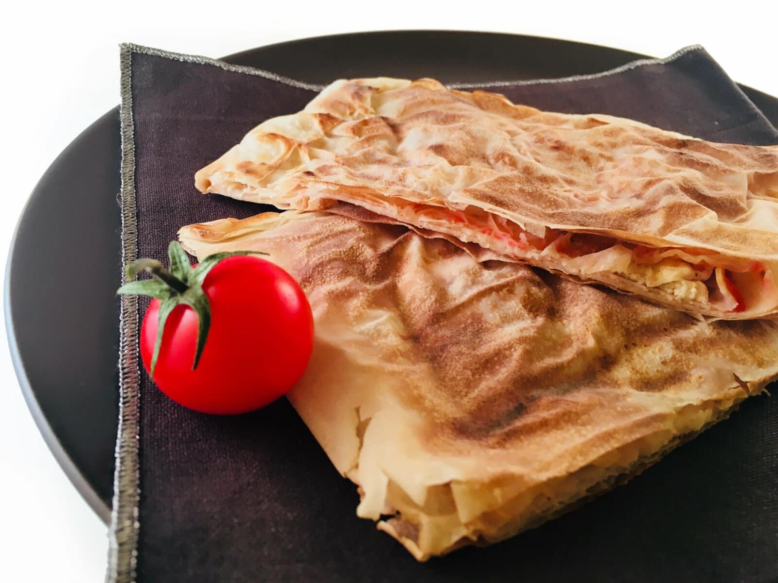 Read more about the article Cascioni di Pasta Fillo alla Pizzaiola