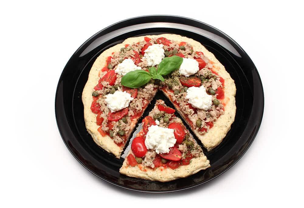 Read more about the article Pizza di Albumi e Kamut con Tonno, Capperi e Ricotta