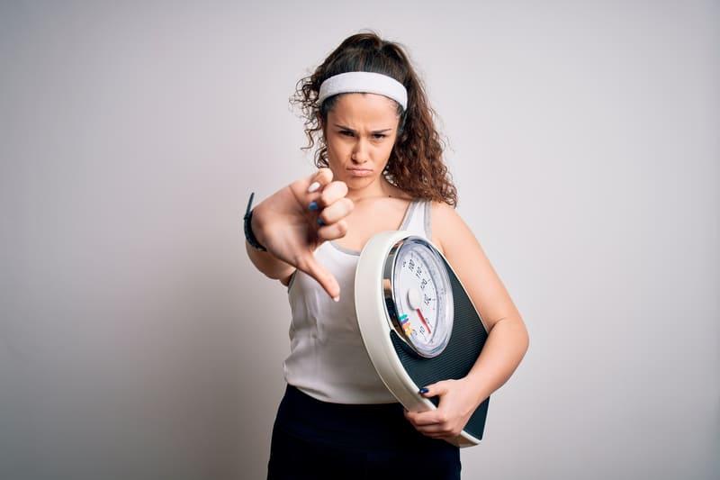 Read more about the article Sovrappeso, cellulite e stress: che legame c'è tra loro?